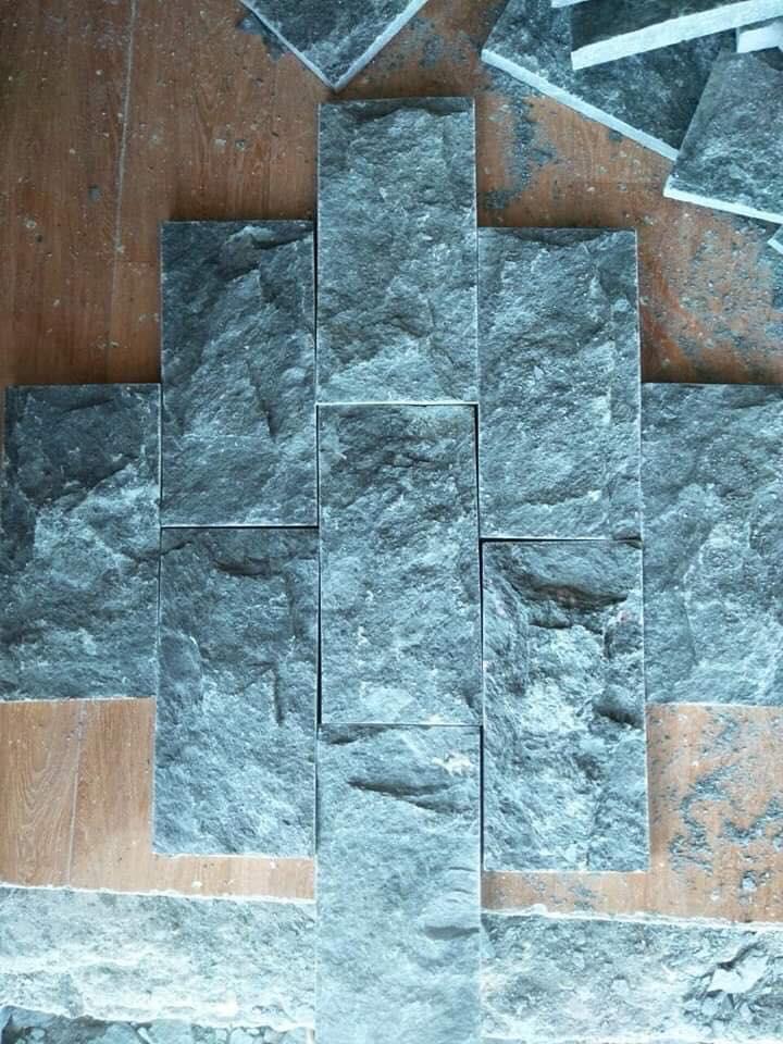 đá bóc mặt xanh rêu
